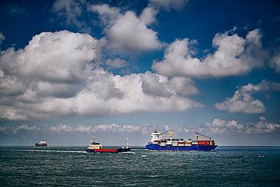 Elbschiffahrt - p227m2008246 von Uwe Nölke