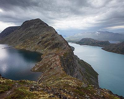 Besseggen Ridge by Lake Gjende in Jotunheimen National Park, Norway - p352m2120513 by Gustaf Emanuelsson