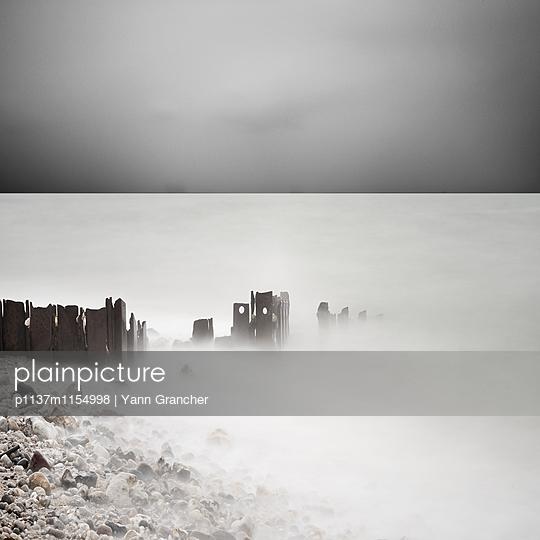 Nebel an der Küste  - p1137m1154998 von Yann Grancher