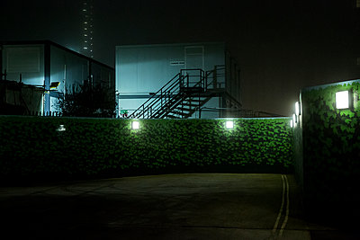 Building site at night - p1291m1531862 by Marcus Bastel