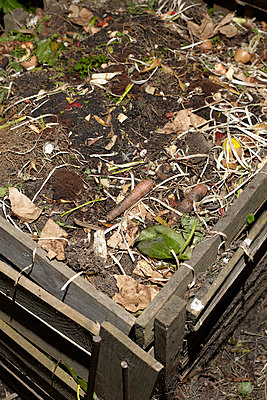 Komposthaufen - p250m1090970 von Christian Diehl
