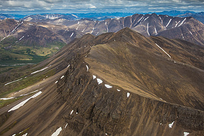 Mountains, Brooks Range, Alaska - p884m1510098 by Matthias Breiter
