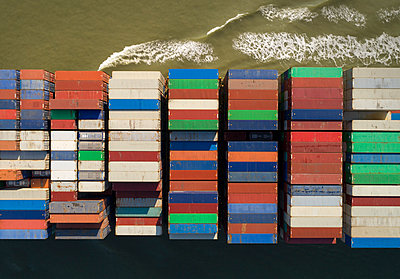 Container ship, drone photography - p1132m2176553 by Mischa Keijser