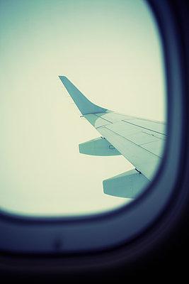 Plane - p464m954143 by Elektrons 08