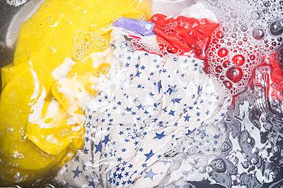 Hand laundry - p1043m2217504 by Ralf Grossek