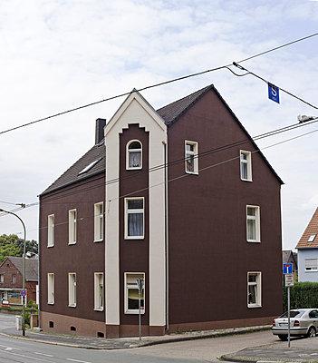 Eckhaus - p1043m830897 von Ralf Grossek