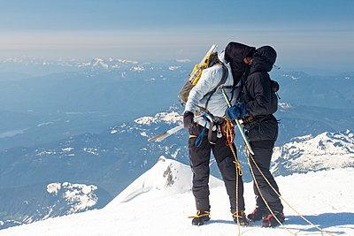 Climbing Mount Baker - p1166m2269417 by Cavan Images