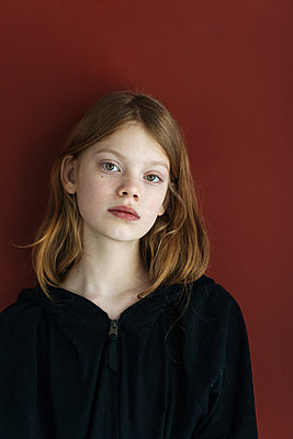 Portrait of girl with blonde hair - p1427m2110137 by Ivan Ozerov