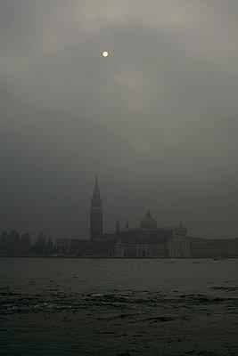 Church of San Giorgio Maggiore in the mist, Venice - p1028m2176258 by Jean Marmeisse
