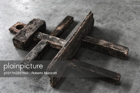 Totem - p1017m2237842 by Roberto Manzotti