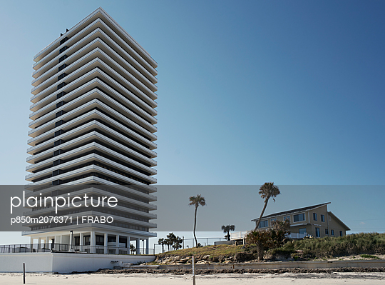 Two different building in Daytona Beach - p850m2076371 by FRABO