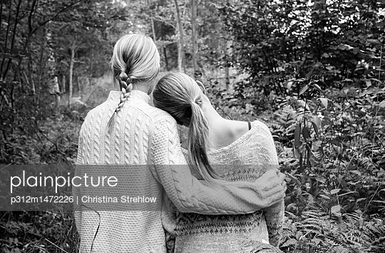 Girls together - p312m1472226 by Christina Strehlow