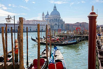 Gondolas on Grand canal near Saint Maria Della Salute church, Venice, Veneto, Italy - p429m2051058 by Fabio Muzzi