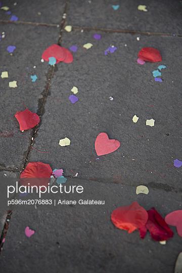 Herzchenkonfetti - p596m2076883 von Ariane Galateau