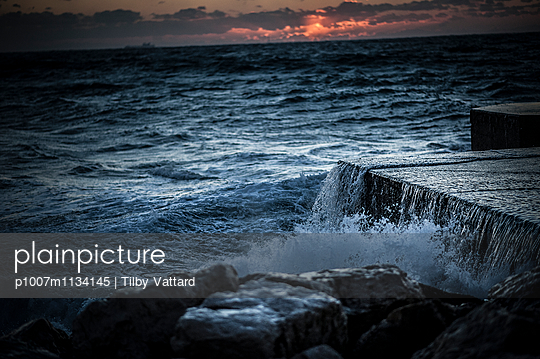 Sea at sunset - p1007m1134145 by Tilby Vattard