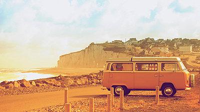 Volkswagen van - p896m835421 by Richard Brocken