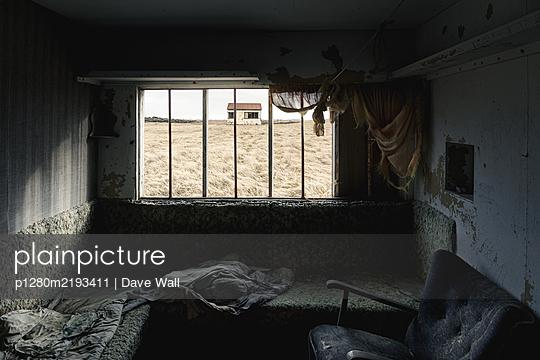 Abandoned shepard hut, Strandarkirkja, Iceland - p1280m2193411 by Dave Wall