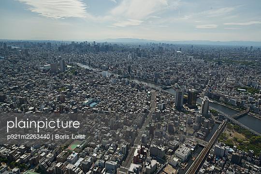 Aerial view, Japan, Tokio - p921m2263440 by Boris Leist