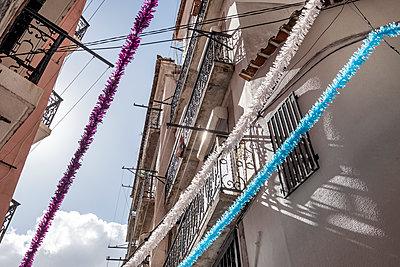 Portugal, Lisbon, Festival - p335m2177652 by Andreas Körner