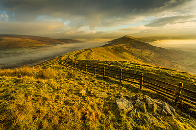 View from Mam Tor of fog in Hope Valley at sunrise, Castleton, Peak District National Park, Derbyshire, England, United Kingdom, Europe - p871m1533978 by Frank Fell
