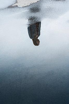 Reflection of a woman - p971m1461299 by Reilika Landen