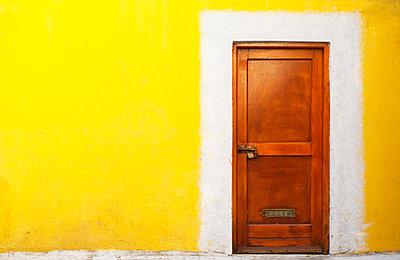 Wooden door - p300m998976f by Wolfgang Weinhäupl