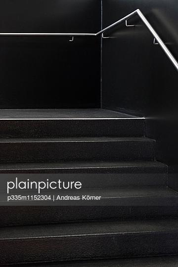 Schwarzes Treppenhaus - p335m1152304 von Andreas Körner