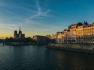 Paris - p988m2030740 von Rachel Rebibo