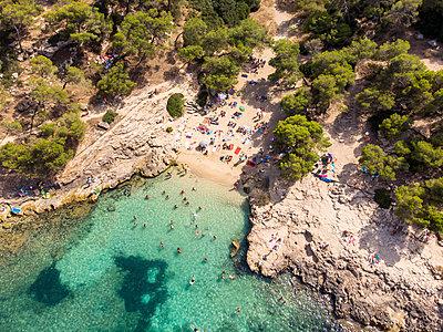 Spain, Mallorca, Palma de Mallorca, Aerial view of Calvia region, El Toro, Portals Vells - p300m2068768 by Martin Moxter