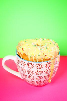Donut-Pause - p045m2291107 von Jasmin Sander