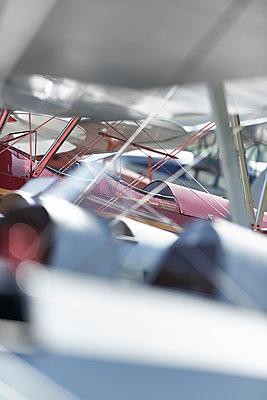 Alte Flugzeuge - p587m1222987 von Spitta + Hellwig