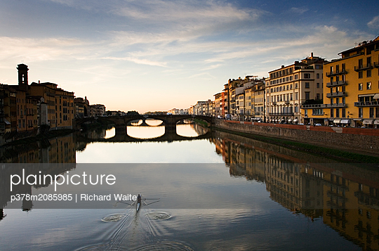 Florence view from Ponte Vechio - p378m2085985 by Richard Waite