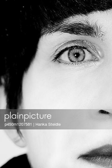 Durchdringender Blick    - p450m1207581 von Hanka Steidle