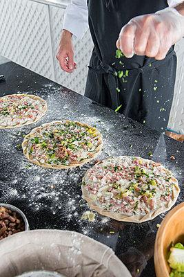 Pizzas/pies - p1216m2260535 von Céleste Manet