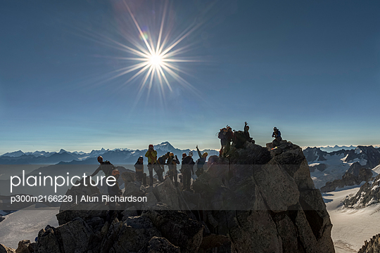 France, Mont Blanc Massif, Chamonix, Mountaineers reaching La Petite Fourche - p300m2166228 by Alun Richardson