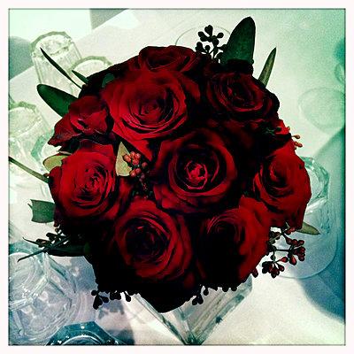 Blumenstrauss Rosen - p9791029 von Jordan photography