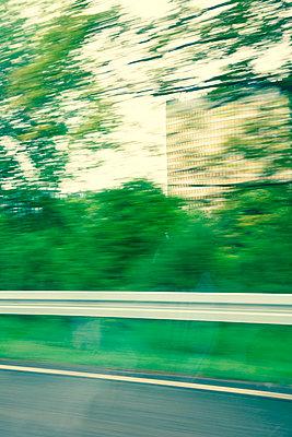 Unterwegs auf der Autobahn - p432m1424189 von mia takahara