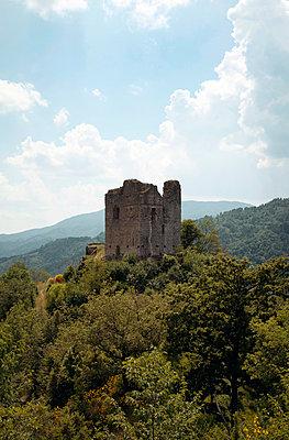 Burgruine in der Toskana - p382m1158755 von Anna Matzen