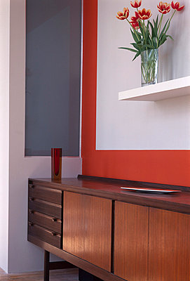 Fifties-style sideboard in living area. - p8551961 by David Churchill