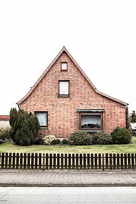 Verklinkertes Einfamilienhaus - p1222m1585896 von Jérome Gerull