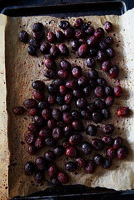 Roasted grapes - p1379m1492789 by James Ransom