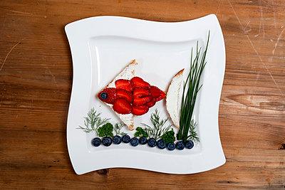 Fish dish - p451m919201 by Anja Weber-Decker