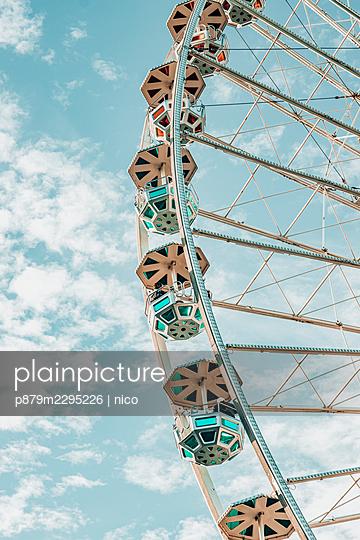 Ferris wheel - p879m2295226 by nico