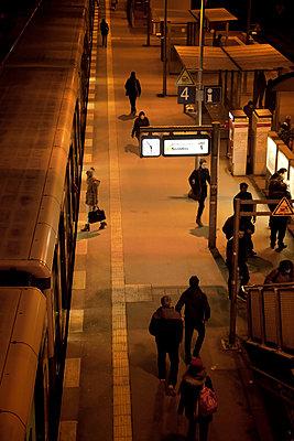 Bahnhof - p382m1017388 von Anna Matzen