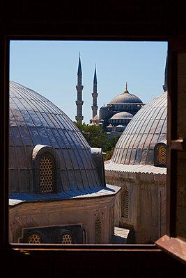 Ausblick auf Moschee - p045m1486596 von Jasmin Sander
