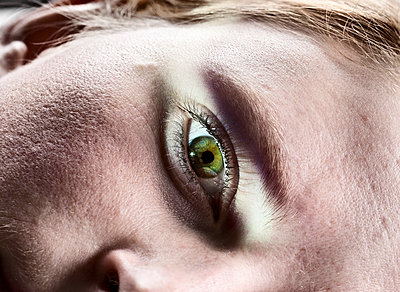 Eye - p1011m788241 by J. Scriba
