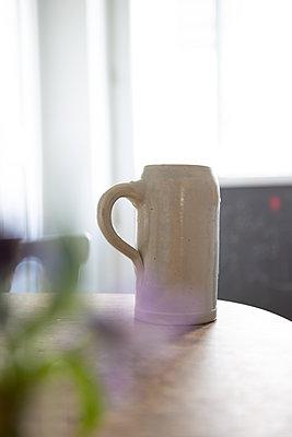 Zuhause trinken - p454m2192404 von Lubitz + Dorner