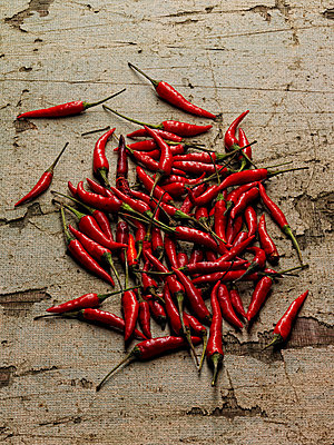 Chilli peppers - p924m711126f by Stillfactory
