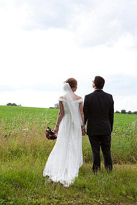 Bride and groom - p441m886144 by Maria Dorner