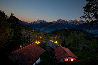 Sonnenuntergang in den Bergen - p606m1462393 von Iris Friedrich